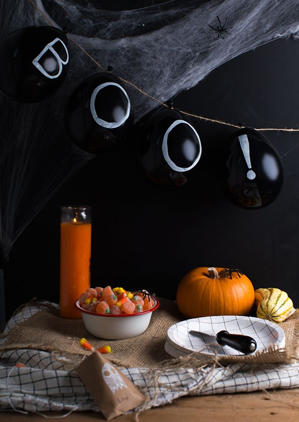 Halloween Decorations HALLOWEEN CHALKBOARD BALLOONS