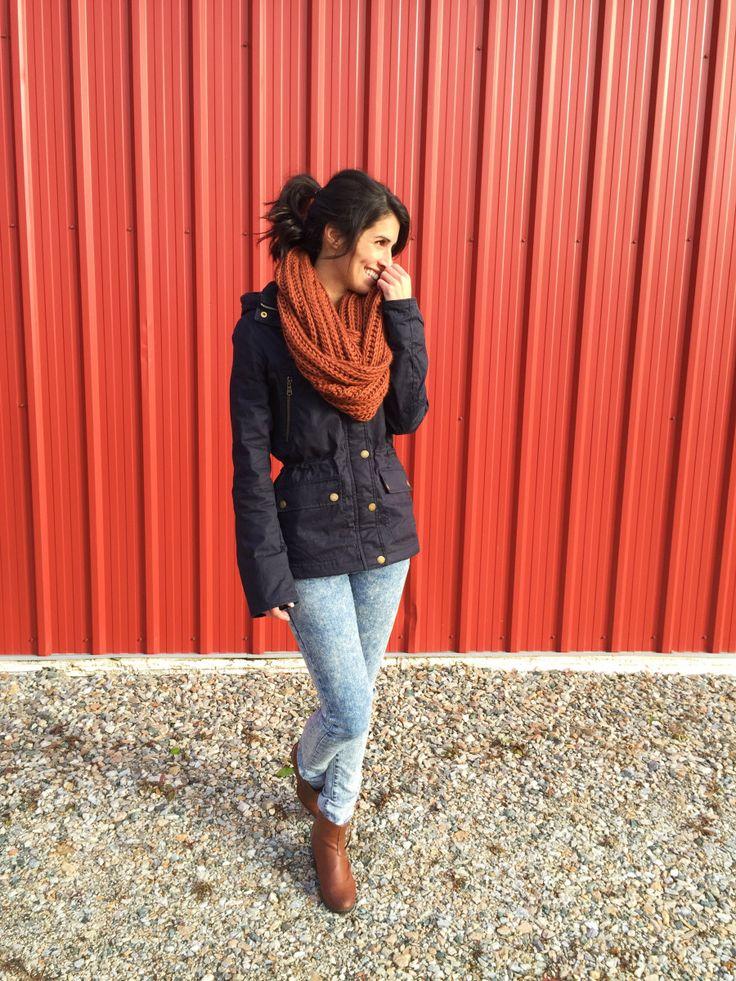 Look d'automne mais encore d'actualité avec les sauts d'humeur du printemps ! #jacket #scarf #huge #jeans #boots #tan #marine #navyblue #shy #ootd #ootn #outfit #style #fashion #look