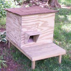 Cat Shelter Stand