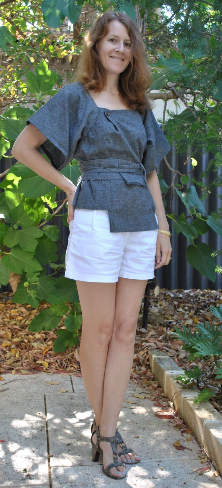 pants to top: Wardrobes Refashion, Clothing Diy, Upcycled Ideas, Refashion Ideas, Diy Tops, Asymmetrical Tops, Diy Clothing, Upcycled Refashion, Upcycled Clothing