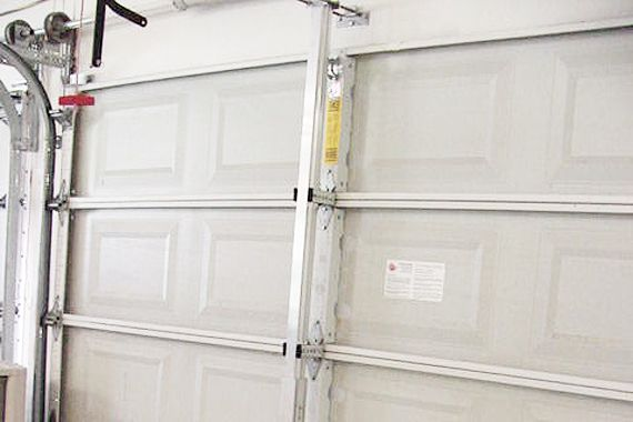 Hurricane Proof Your Garage Door | Hurricane Resistant Garage Doors