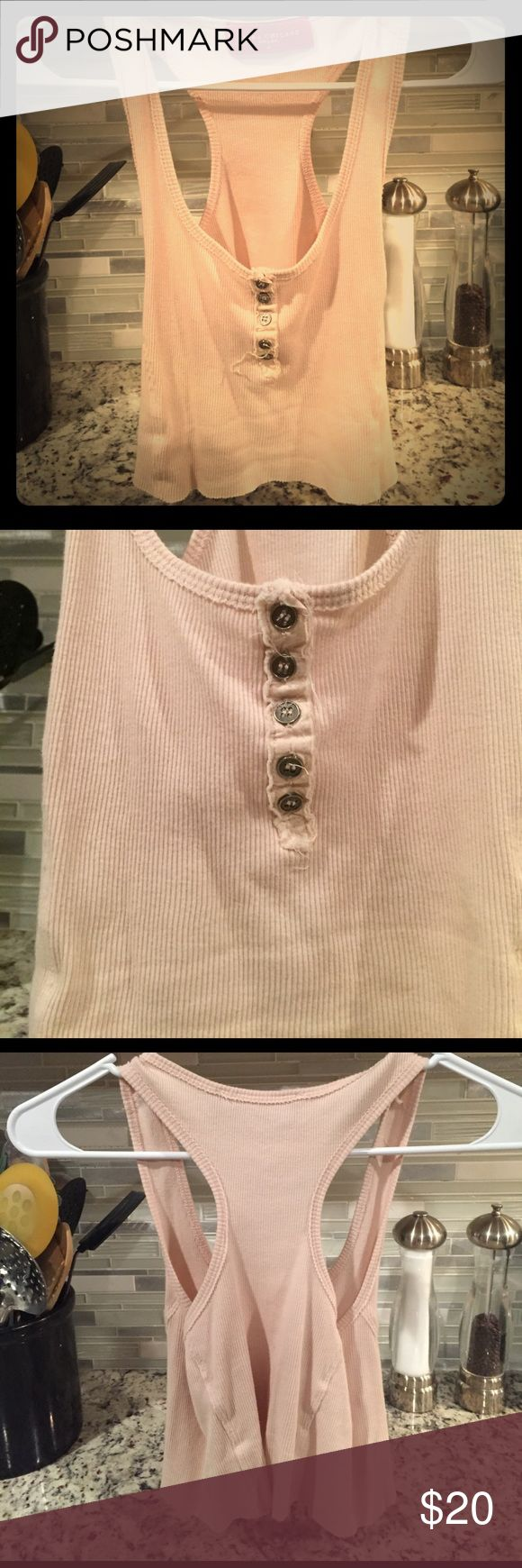 Akita Red Label Button Up Crop Medium Beige in color, Akita red label button up crop, looks great with a pair of jean shorts. Akita is a popular clothing store in Chicago. Size is medium and fits true to size. I never wore this, took the tags off bc I thought I would but never got around to it. AKIRA Tops Crop Tops