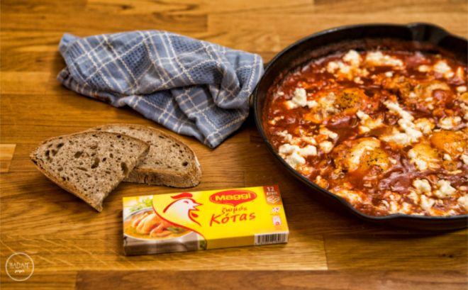 Αυγά σε σάλτσα ντομάτας με φέτα ‹GREKA