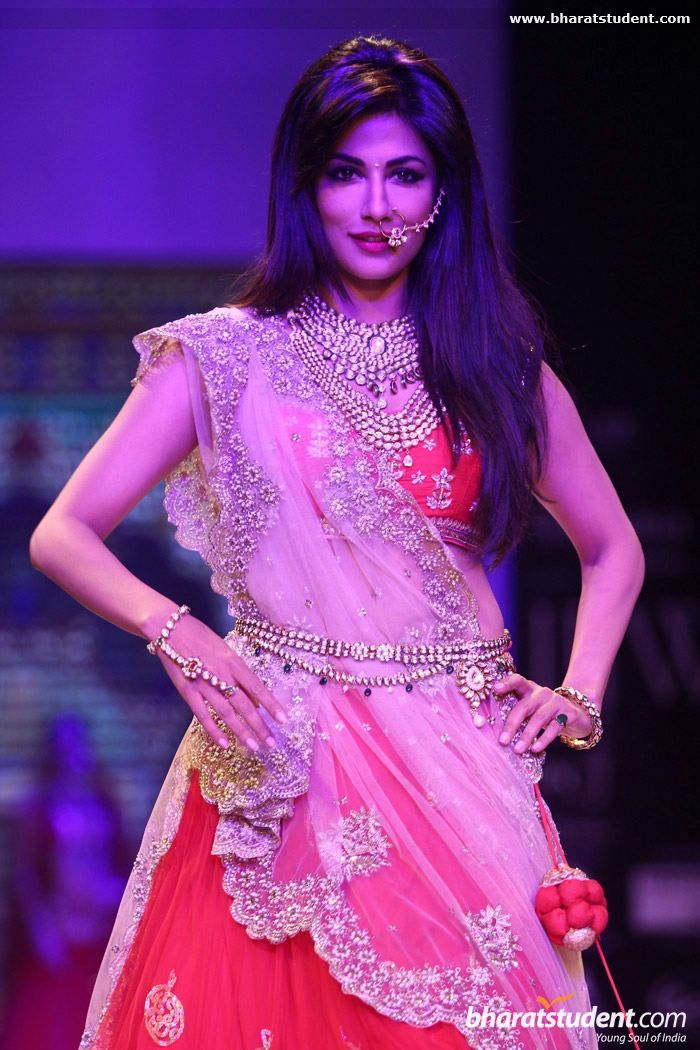 Chitrangada Singh at Moni Agarwal Presented by SGL Show at IIJW 2014 - Day - 1 #lehenga #choli #indian #hp #shaadi #bridal #fashion #style #desi #designer #blouse #wedding #gorgeous #beautiful