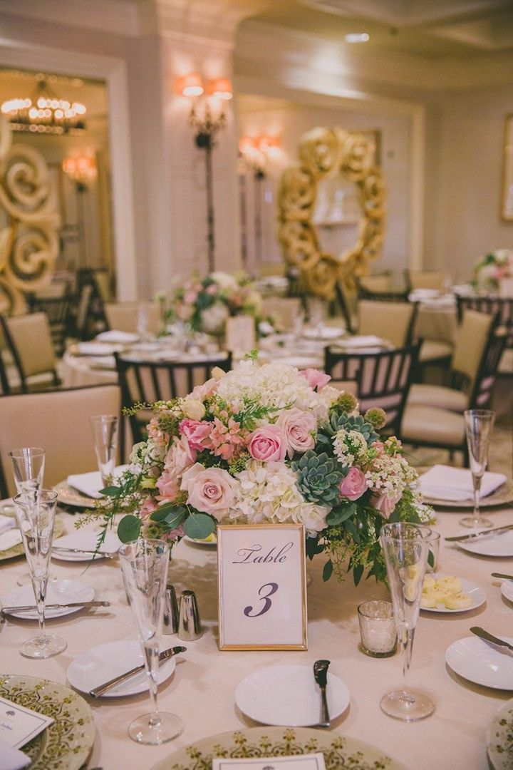 photo: Dave Richards Photography; chic pretty wedding centerpiece idea;