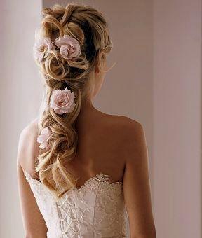 ラプンツェルの髪型にしたい!Aライン・プリンセスドレスに似合うラプンツェルの髪型参考♡