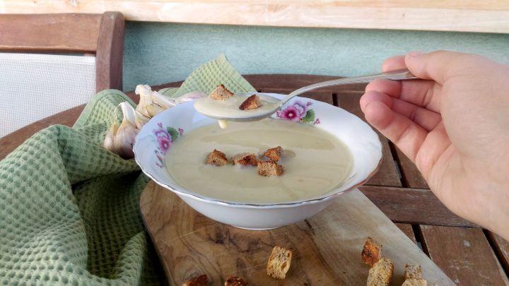 polievka s karfiolom