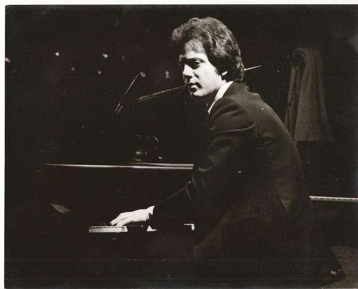 billy joel playing piano - photo #37