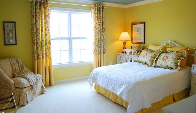 decoración en color amarillo