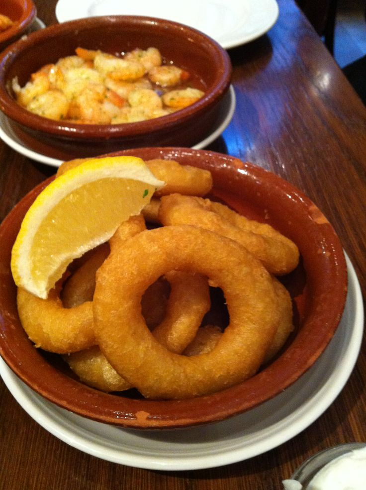 A great tapas specialty are those crunchy calamari