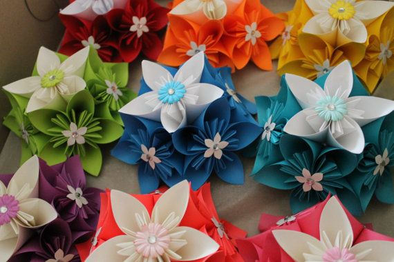 10 Origami Kusudama Centrepieces/Favors - Any Colour - Wedding Decoration - Favors - Gifts - Part Decorations