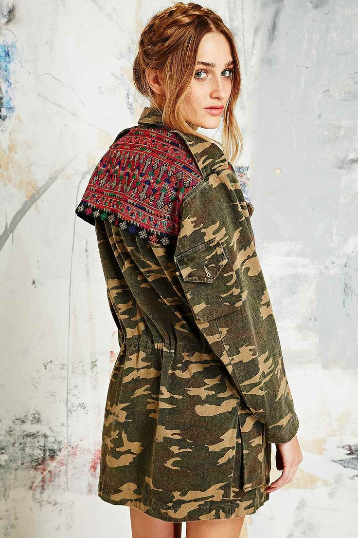 Native Rose Tapestry Camo Jacket - Urban Outfitters