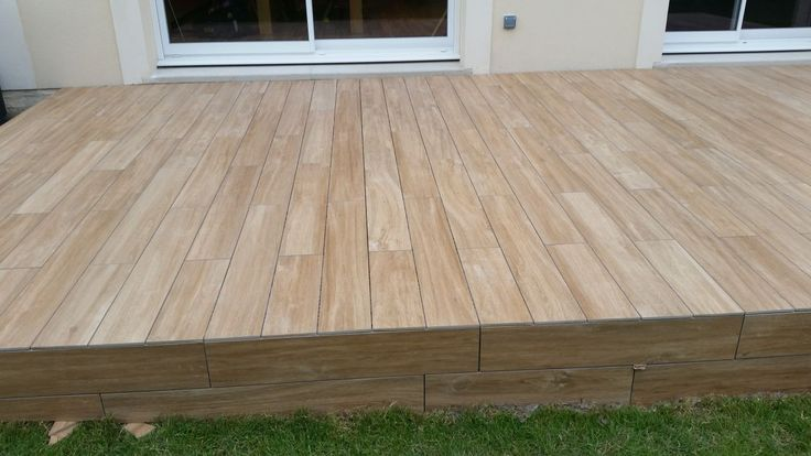 25 best ideas about carrelage imitation bois exterieur on for Parquet pour terrasse exterieur