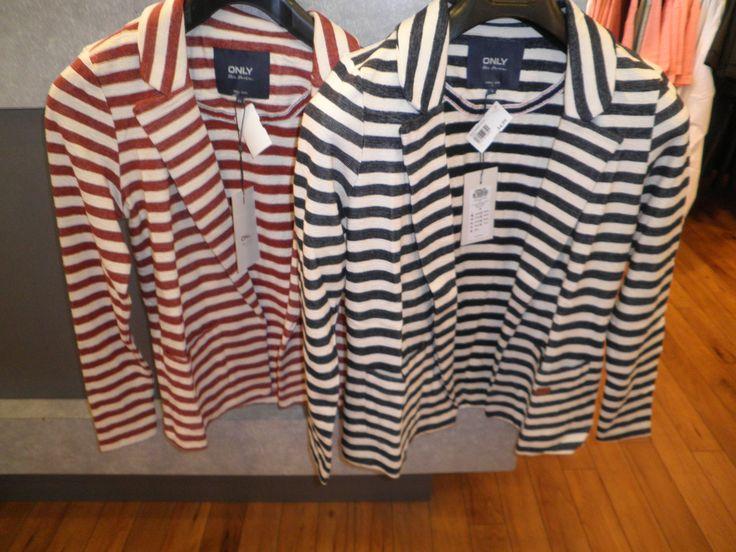 ONLY streep blazer tricot € 34.99