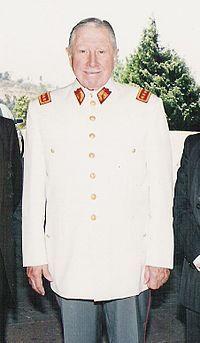 Augusto Pinochet fue un dictador de Chile durante el siglo viente. El descartaba para diez y ocho anos despues de Allende. Dudo que Pinochet fuera mas progresivo que Allende.