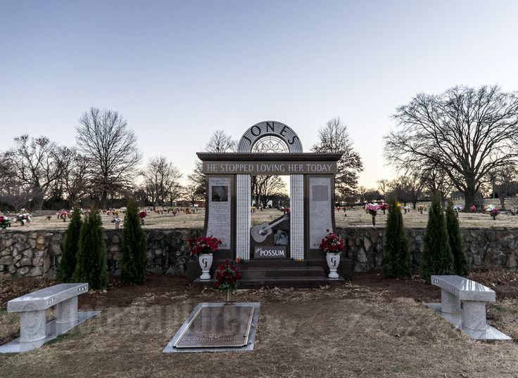 Woodlawn Memorial Park Cemetery Home, Country music