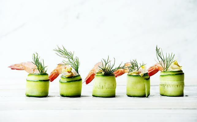 KIMCHI & PRAWN CANAPES – Ready for the weekend with Kehoe's Kitchen. Kimchi, cashew cheese & prawn canapé YUM!! > Recipe on our website.