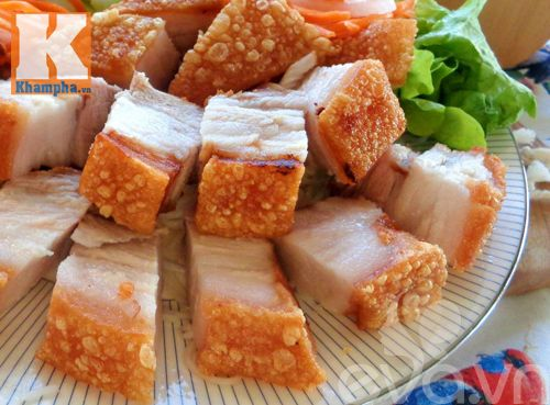 Cách làm heo quay bì giòn bằng chảo siêu ngon - http://congthucmonngon.com/160734/cach-lam-heo-quay-bi-gion-bang-chao-sieu-ngon.html