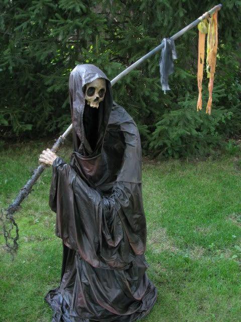 please fear the reaper diy halloween propshalloween - Homemade Halloween Props