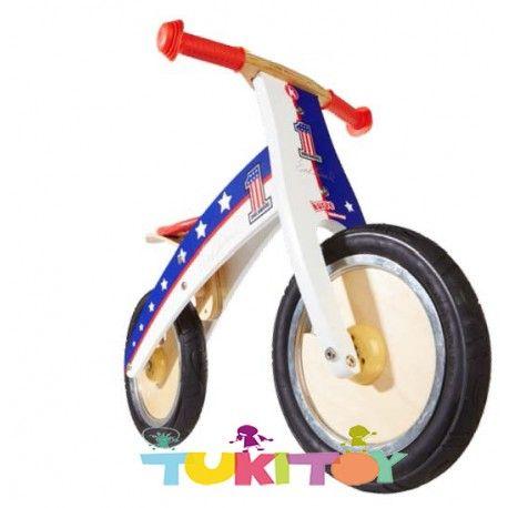 Bicicleta aprendizaje de madera Kiddimoto  kurve Evel Knievel #Kiddimoto  #bicicletas #sinpedales de madera #Kiddimoto son perfectas para el #aprendizaje. Estas #bicicletas desarrollan la #motricidad gruesa, el sentido del #equilibrio y la #coordinación. Les enseña a controlar el espacio aumentando su autoconfianza y #seguridad. Fabricada en madera resistente y ligera a la vez permitirá al #niño desplazarse sin mayor dificultad, el sillín es regulable a distintas alturas