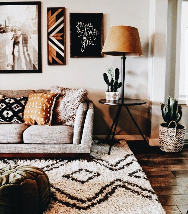 Insta And Pinterest Amymckeown5 Cute Living Room Love The Cactus And Rug Home Home Decor House Interior