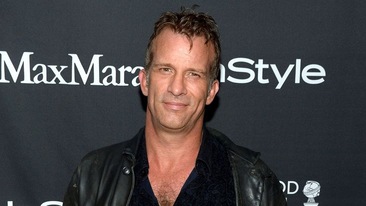 Thomas Jane is in final negotiations to joins the cast of The Predator Twentieth Century Foxs reboot of the sci-fi action franchise that will be directed by Shane Black. http://ift.tt/2kl4fZs #timBeta