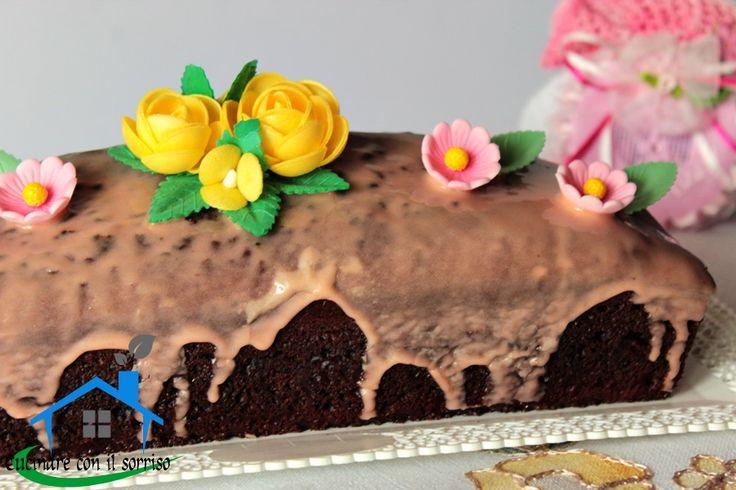 Il plumcake fiesta è un dolce goloso ideale da decorare semplicemente per festeggiare senza troppi fronzoli anche in occasione speciali.