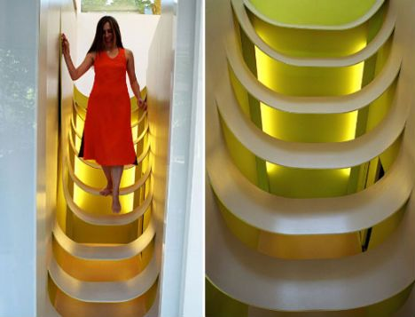 Kids plastic suspended stairs in a house designed by  Nathalie Wolberg-Architecture (Paris)