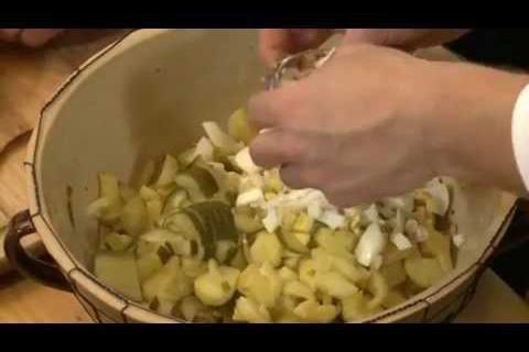 39 Moravský bramborový salát Jak šmakuje Moravskoslezsko?