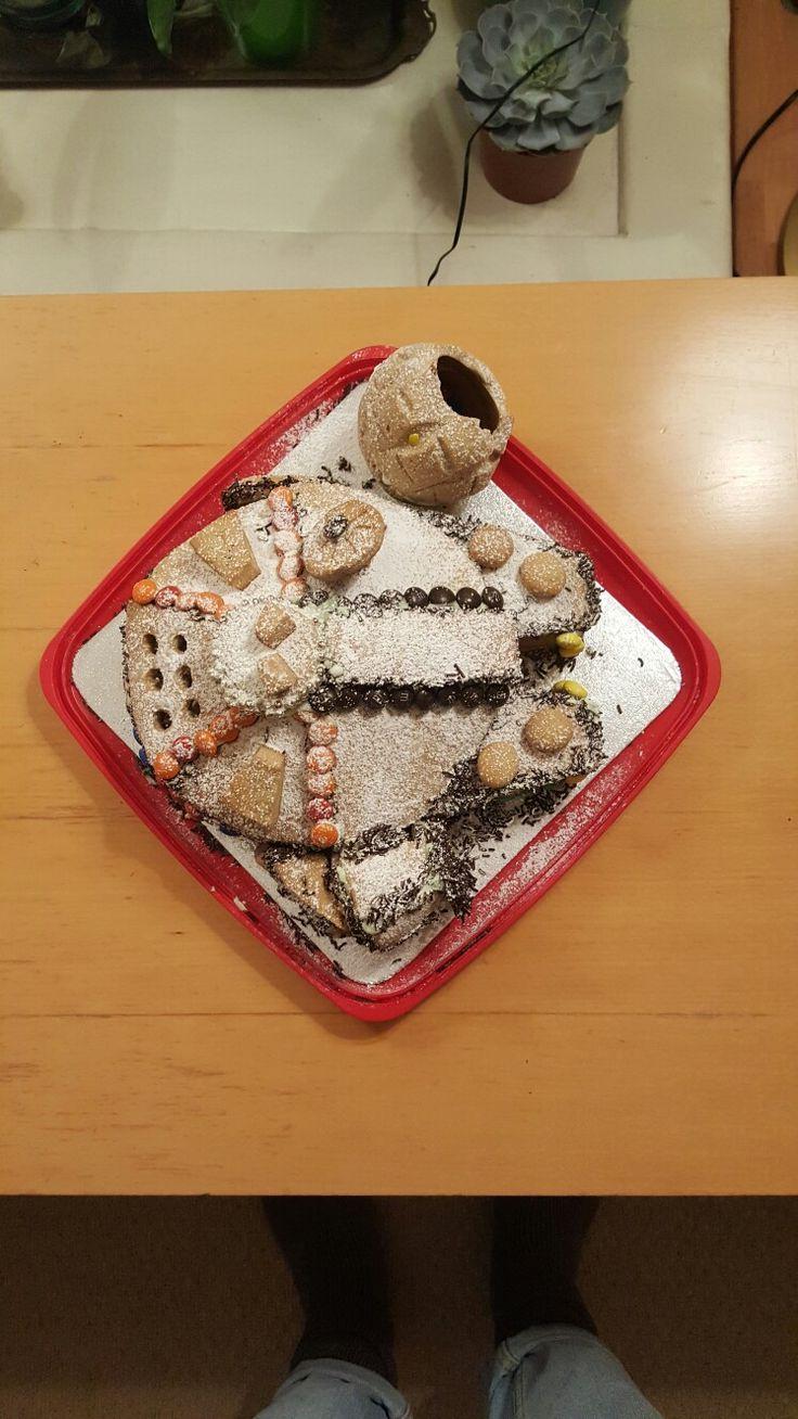 Millenium Falcon Christmas Gingerbread 3D