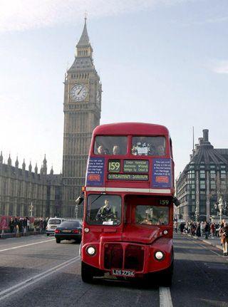 17 meilleures id es propos de bus imp riale sur pinterest bus de londres angleterre et. Black Bedroom Furniture Sets. Home Design Ideas