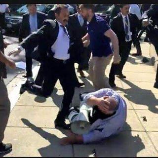 ABD'de aynı hafta Washington'da iki fotograf. Anlayana açık. #cakmakahraman #çakma #adb #rezillik #eğitim #turkey���� #news #iflc2017 http://turkrazzi.com/ipost/1524345955393050152/?code=BUnkJHyAZYo