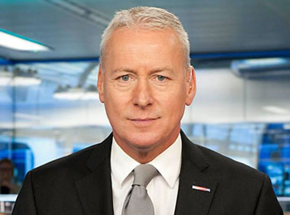 Arsenal transfer news: Jim White says three deals could be done this week - https://buzznews.co.uk/arsenal-transfer-news-jim-white-says-three-deals-could-be-done-this-week -