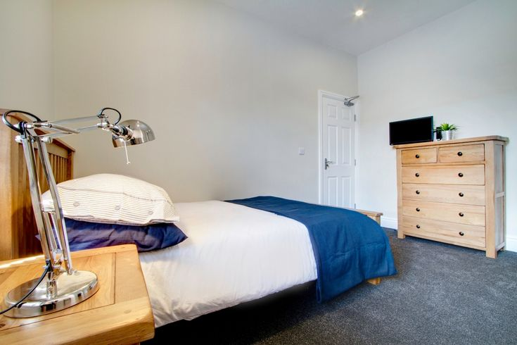 25 best Our Cribs - Manchester images on Pinterest | Cribs ...