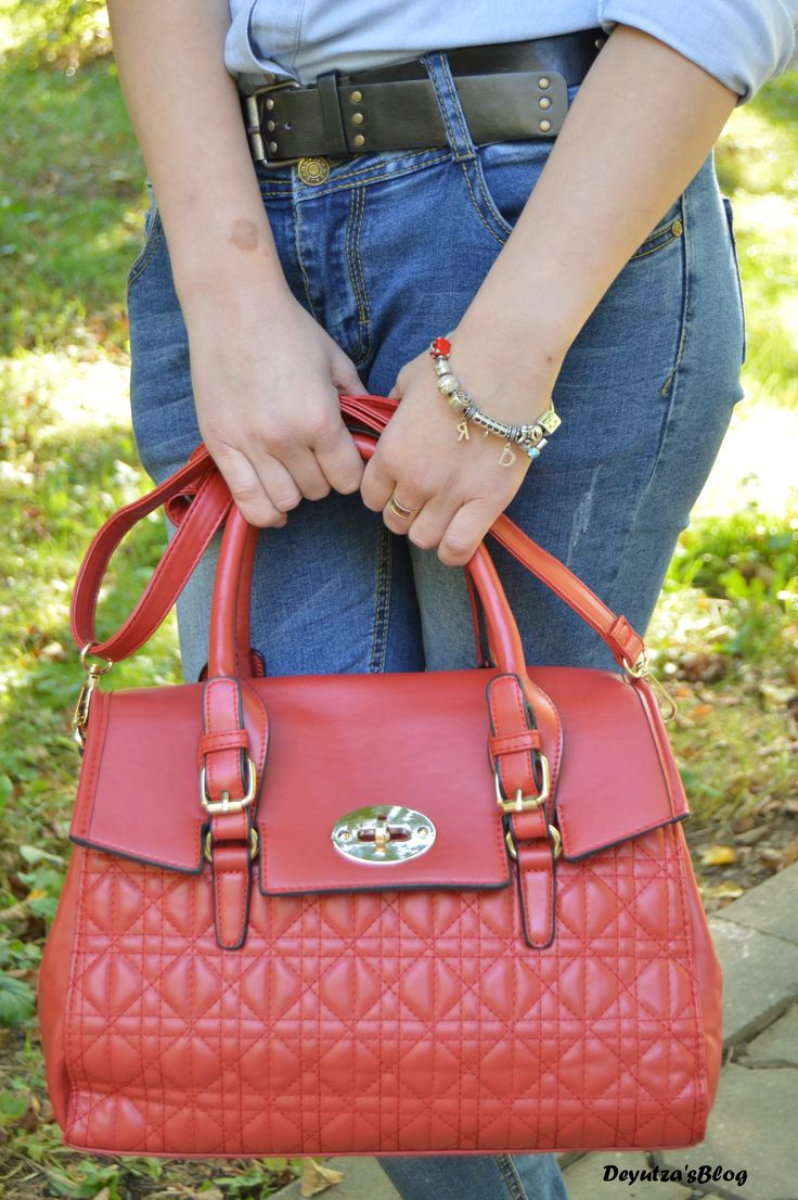 http://deyutza87.blogspot.com/2015/10/ootd-denim-look-and-red-bag.html