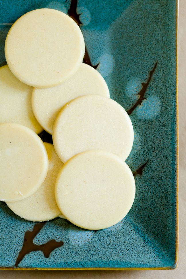 How to Make White Chocolate in Less Than 5 Minutes ~ vegan white chocolate is so expensive, this will save me a ton!
