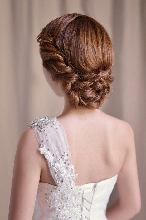 This is such a perfect hairstyle for our one-shoulder wedding dress I WANT LOVE: http://shop.biensavvy.eu/love-story-2013/i-want-love-p212.html