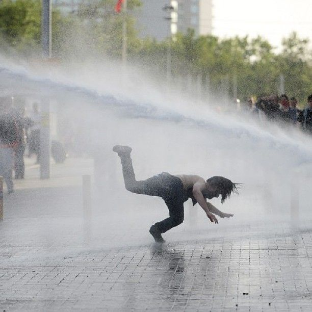 Incredible And Frightening Photos From Istanbul's #OccupyGezi