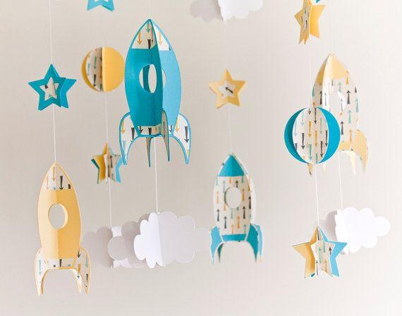 Móvil de cohetes y estrellas / Móvil infantil / por SonrisasdePapel