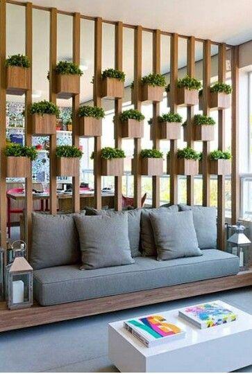Garden di dalam rumah bisa jadi alternatif untuk membuat ruangan lebih alami dan indah