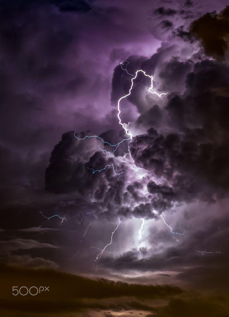 Dancing Lightning - Have a nice weekend =)