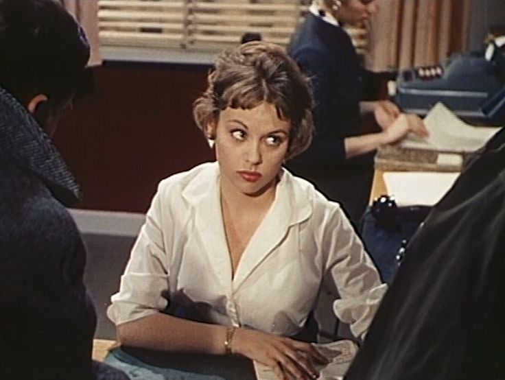som sekretær, i Verdens rigeste pige fra 1958.