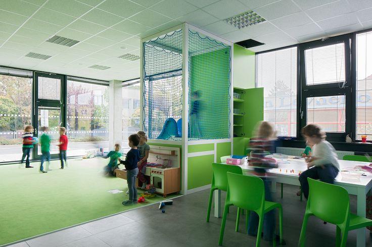 Primary school Livingston, Prague