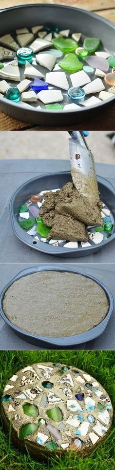 cemento y pedazos de platos gemas papel contact