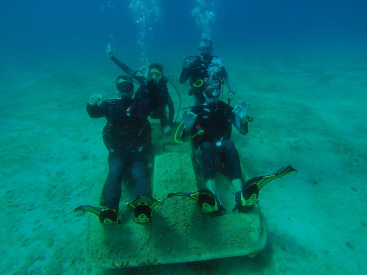 We dive to have fun but without compromising safety, professionalism, integrity and all those values that will make your experience with us just Unique!!!