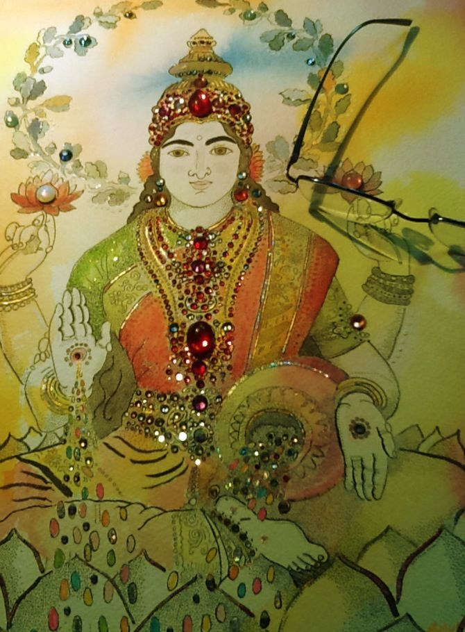 www.olafvancleef.org  http://timesofindia.indiatimes.com/home/stoi/Vishnu-Lakshmi-and-Swarovski/articleshow/2848653.cms