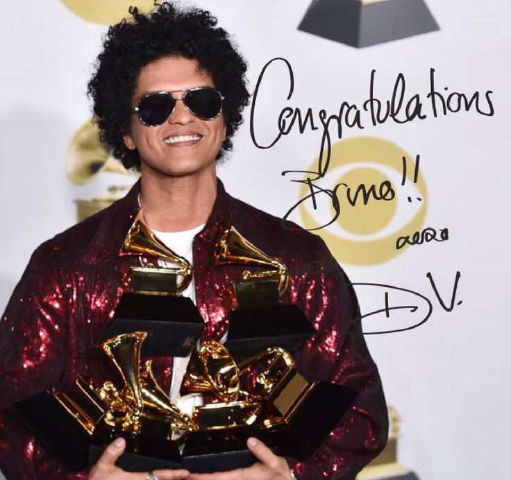 Donatella Versace (@donatella_versace) Instagram 「Album of the year... Record of the year... Song of the year!! ❤ Congratulations Bruno!! #grammys…」