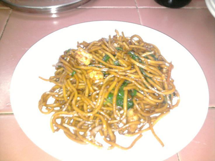 Hawker-Style-Fried-Hokkien-Mee-Yellow-Noodles