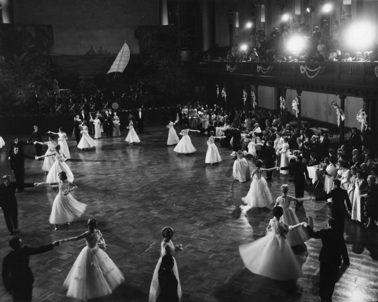 In the spirit of Australian Fashion Week this week, we loved this archive image of Debutantes at the 1964 Lady Mayoress' Ball, dancing around the Grand Hall in dresses reminiscant of Dior's 'New Look'.