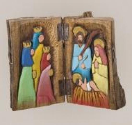 nacimiento en tronco madera de roble,pinturas acrilicas,bisagras y aldabas talla directa